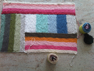 Taffy_blanket_4_colors_3_small2
