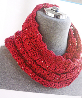 Red_beaded_cowl_3_small2