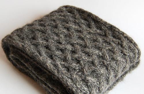 Basketweave_knitted_scarf_3_medium