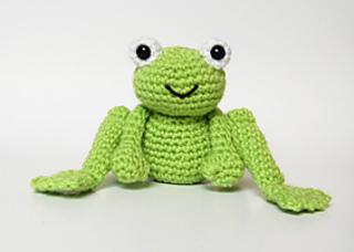 Cute_frog_no_daisy_small2