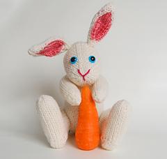 Boris_facing_white_carrot_small