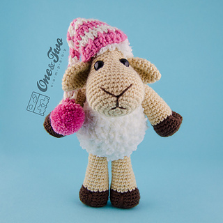 Chloe_the_sheep_amigurumi_crochet_pattern_01_small2