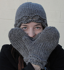 Daisy_cloche_and_mittens_small