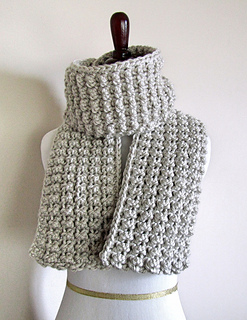 Ravelry: Easy Chunky Scarf pattern by chez pascale