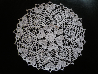 Hearts_crochet-a-long_doily_small2