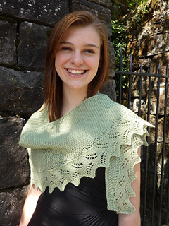 Fern_lace_shawl_small2