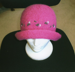 Pink_hat003_small2