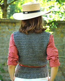 Solo_tank_top_back_alpaca_knitting_kit_small2