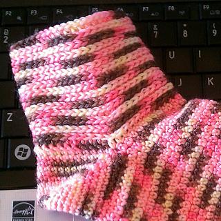 Knit-look_cuff_socks_001_small2