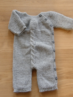 Knitting Pattern For Toddler Overalls : Ravelry: Baby Jumpsuit pattern by Pinar urun Sizun