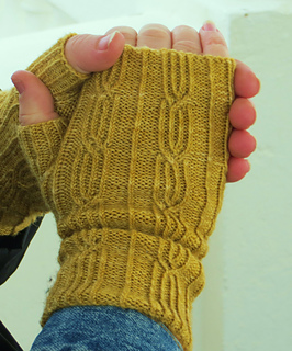 Yellow_glasgow_school_mitts_small2