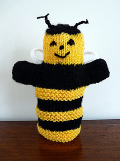 Ravelry bumble bee hand puppet pattern by janet mcgregor for Bee finger puppet template
