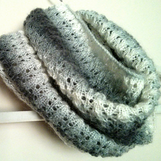 Simple_mohair_lace_scarf_2_small2