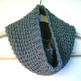 Bamboo_stitch_cowl_cg_small2