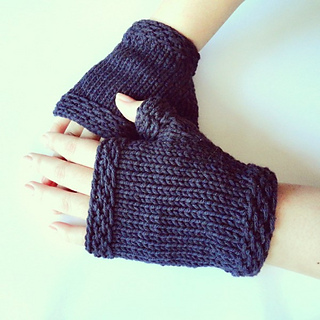 Easy_knit_fingerless_gloves_small2