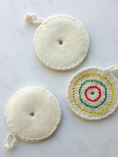 Crochet-candy-ornaments-600-12a_small2