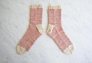 Pixel-stitch-socks-600-16-646x441_small2