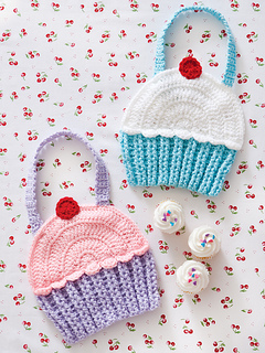 Ct26_cupcakebibs_small2