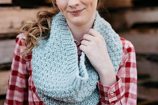 Quince-co-big-texture-hannah-fettig-knitting-pattern-puffin_5_small2