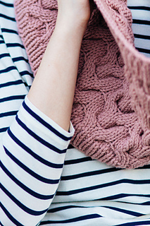 Quince-co-big-cable-hannah-fettig-knitting-pattern-osprey_4_small2