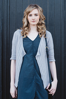 Quince-co-pretty-hannah-fettig-knitting-pattern-piper_1_small2