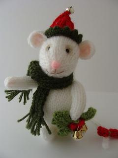 Holly_mouse_1e_small2