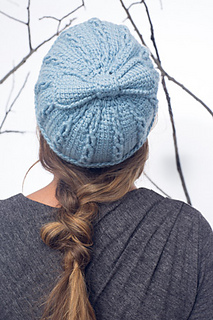 Ribbons_and_bow_hat_-_mitts_4_small2