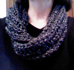 Super_bulky_mobius_cowl_charcoal_glitter_thick___quick_small
