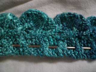 Ravelry: Something New and Blue: A Wedding Garter pattern by Roza Anthony