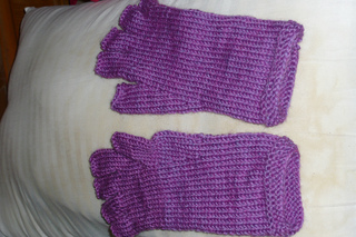 Lincraft Knitting Patterns : Ravelry: Fingerless Gloves pattern by Lincraft