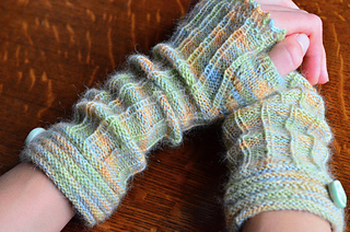 Fingerless_mitts_lena_dsc_0509_small2