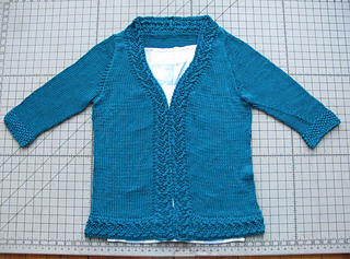 Coin_cable_cardigan_blocking_img_4862_small2