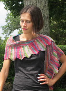 Sawtooth_shawl_img_5339_small2