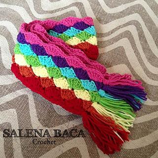 Rainbow_shell_scarf_small2
