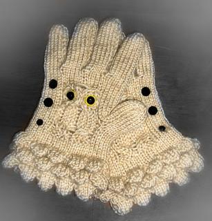 Ravelry: Owl Gloves pattern by Scarlett Royal