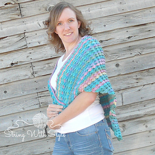 Breaking_waves_shawl_by_schere_s_crafty_crochet_-_photo_by_string_with_style__3__small2