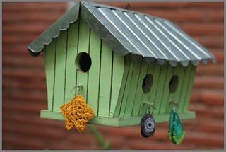 Craftygirl-birdhouse_small2