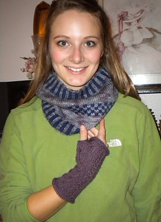 Aliciacoewithglove_small2