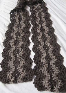 Lacy_striped_crochet_scarf_small2
