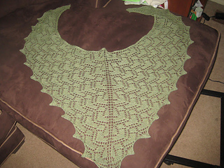 Mi_corazon_shawl_finished_003_small2