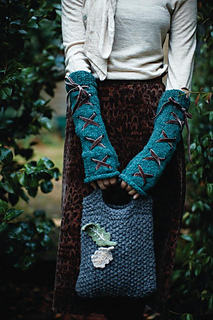Crystal_gloves_and_moss_tote_small2