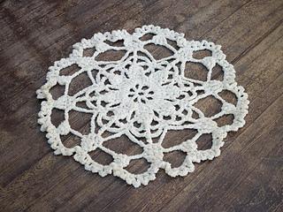 Crochet_doily_rug_small2