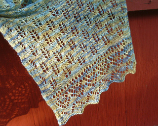 Shawl_detail_over_red_small2