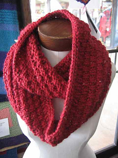 Grandeinfinityscarf_small2