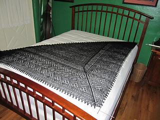 2013-12-18-black-warm-shawl-2_small2