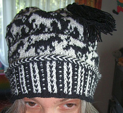 Horse_tail_beanie2_small