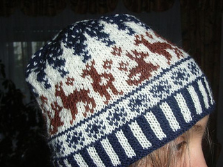 Snow_roe_deer_beanie1_small2