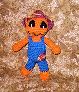 Pumpkin_scarecrow2_small2