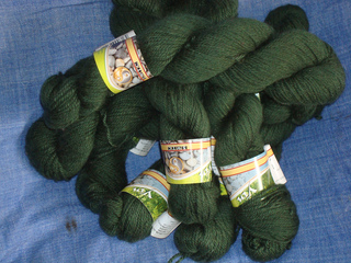 Yarn_and_fleece_2010_034_small2