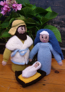 Knitted_nativity_mary_joseph_baby_small2
